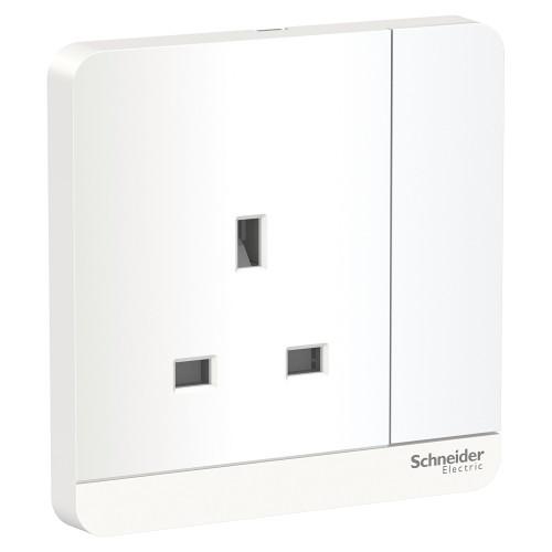 SE AvatarOn- 13A 250V 1G Switched Socket with LED, white